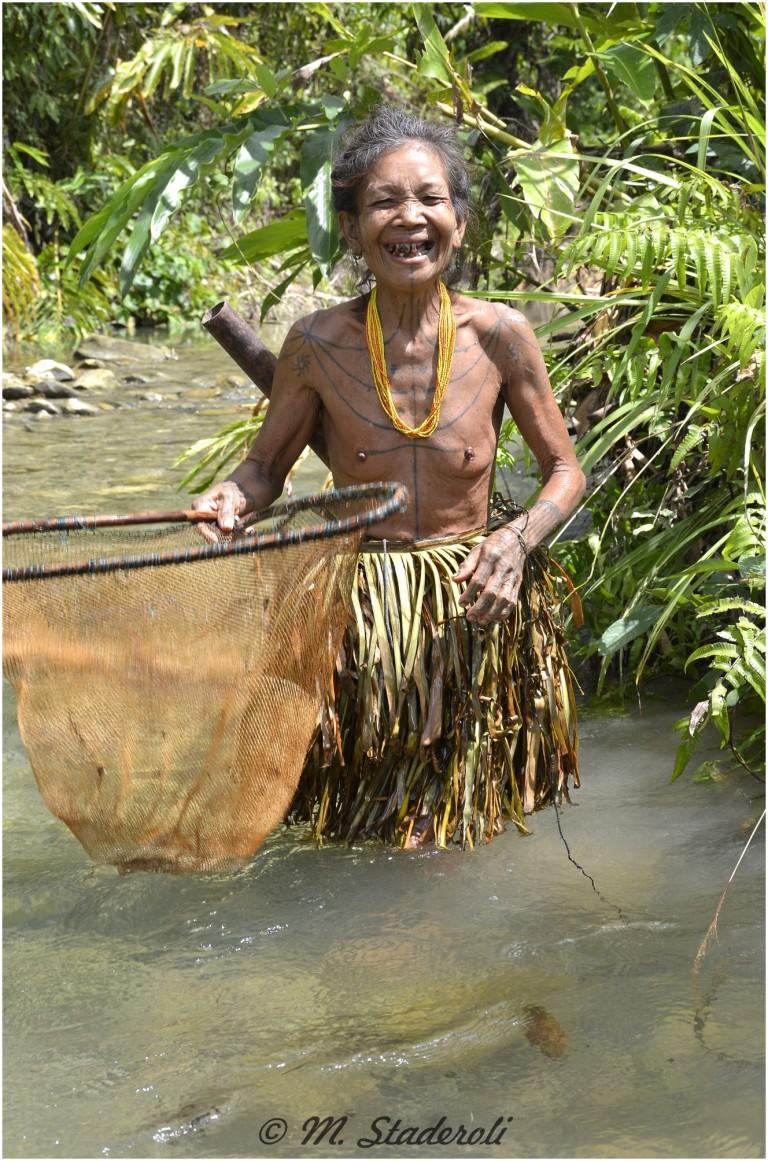«Un regard, des sourires»  Mentawaï 2013-22