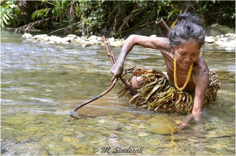 «Un regard, des sourires»  Mentawaï 2013-23