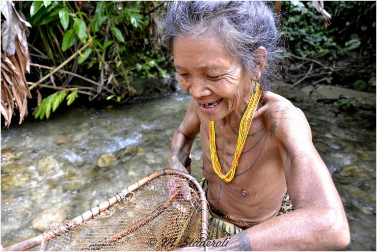 «Un regard, des sourires»  Mentawaï 2013-24