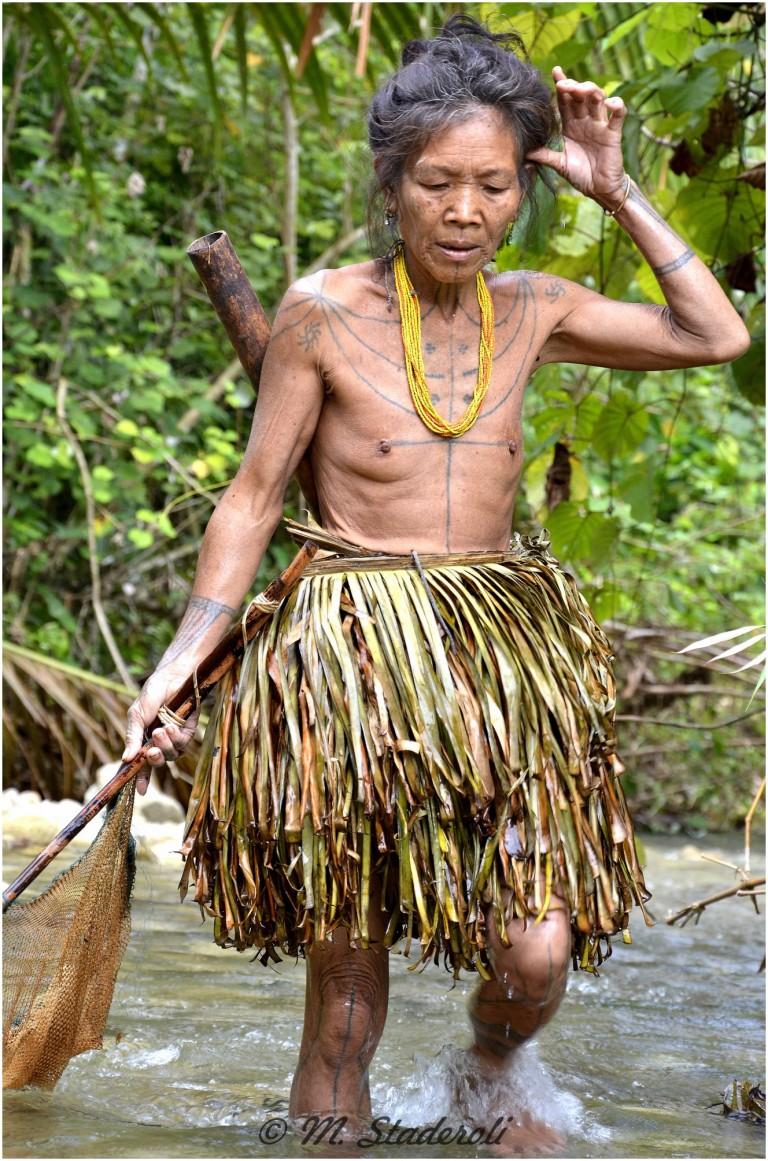 «Un regard, des sourires»  Mentawaï 2013-25