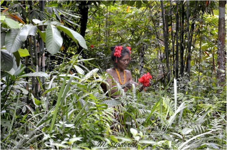 «Un regard, des sourires»  Mentawaï 2013-27
