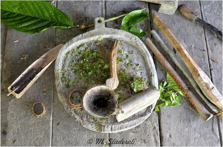 «Un regard, des sourires»  Mentawaï 2013-32